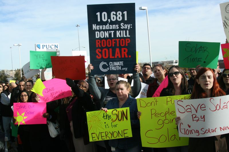 nevada-solar-protestors.0